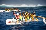 クック諸島の海でアウトリガーで遊ぶ