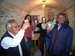 南イタリア 家族で集まって自家製ワインの試飲会!