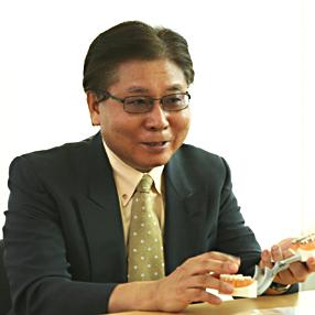 小谷田 仁