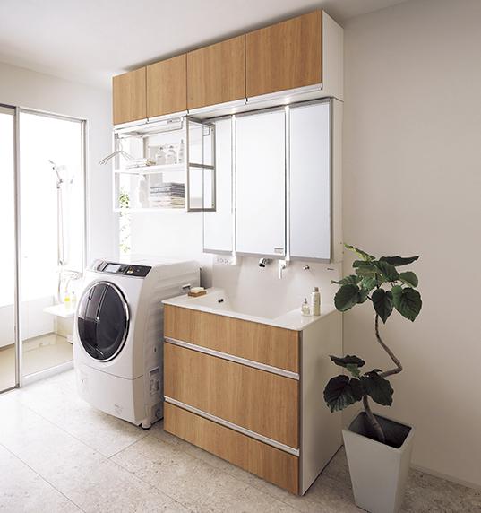 夏だからおすすめしたい洗面台「Panasonic 洗面ドレッシング:タッチレス水栓 すぐピタ」