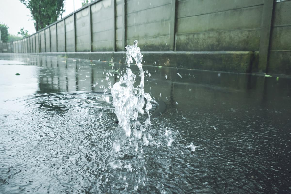 大雨でトイレが流れなくなる
