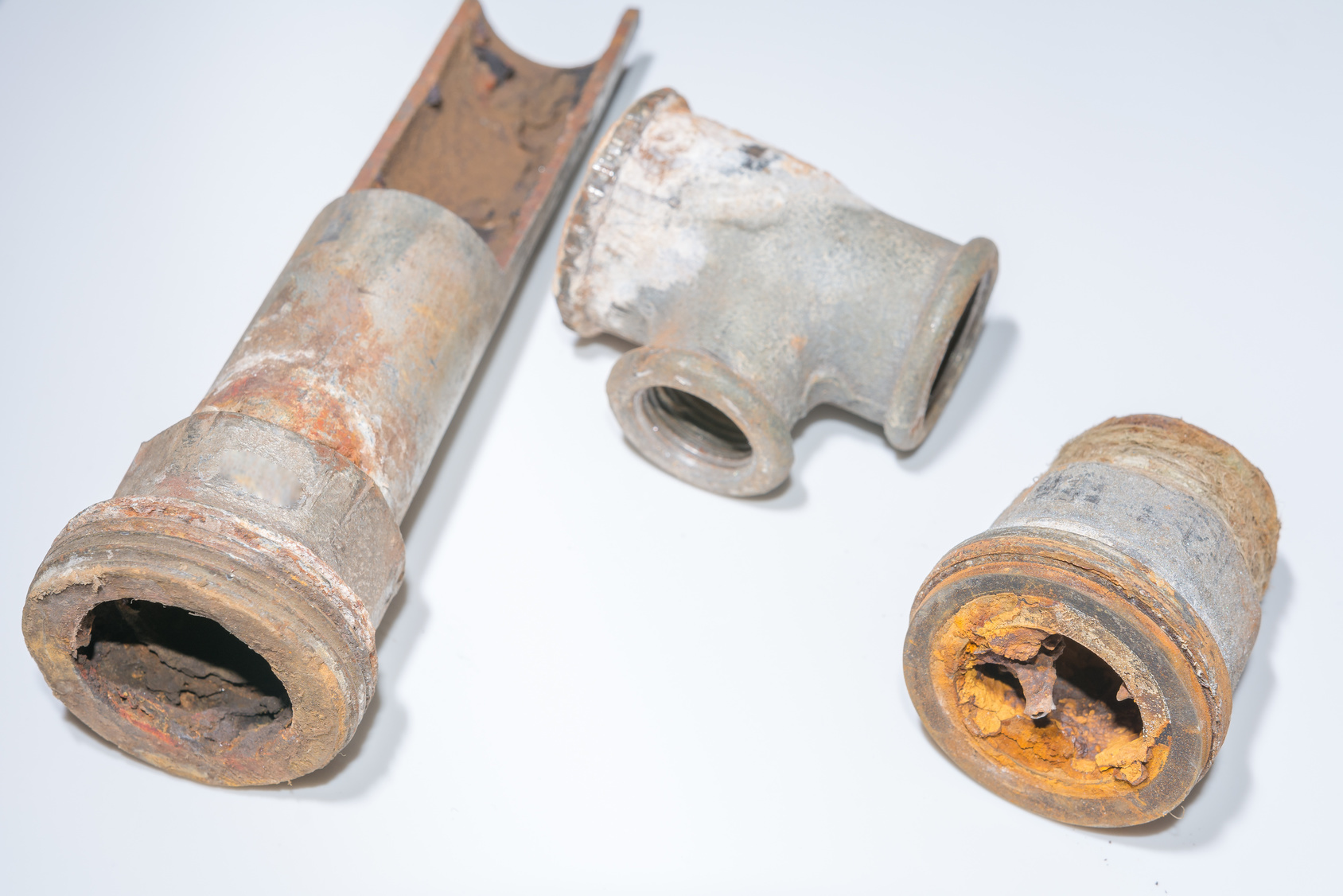 鋼管が古くなって、赤さびまみれに