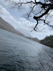湯ノ湖は、まだ雪景色・・・!?
