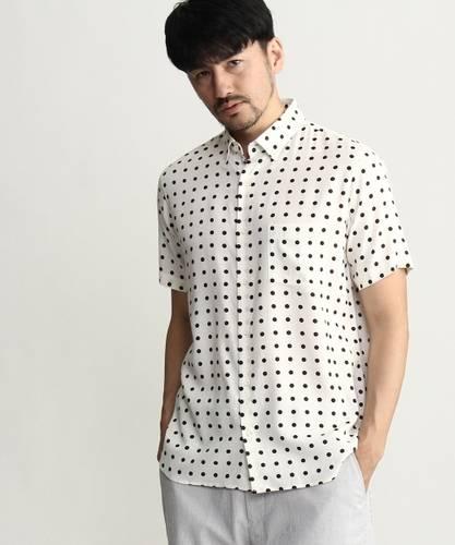 c9b03acb511fda 白のシャツ(ドット(水玉), 半そで)のメンズコーディネート・着こなし