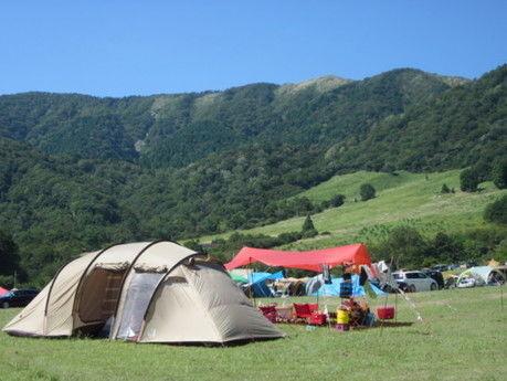 マキノ高原キャンプ場のテントサイトの写真