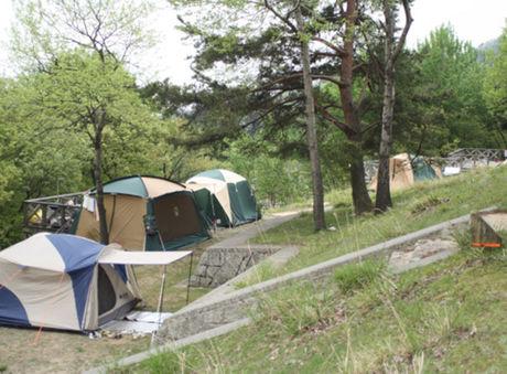 マキノ高原キャンプ場の森の隠れ家サイト