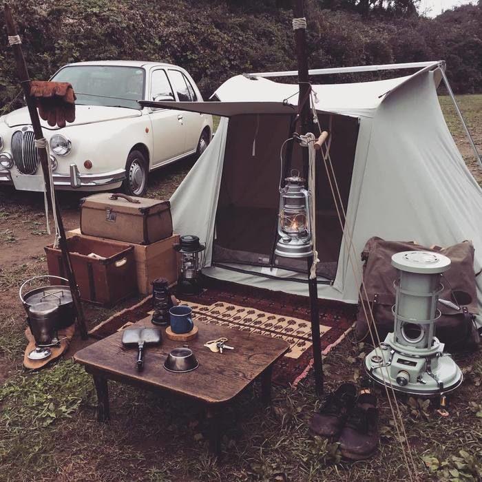 男らしいキャンプの'様子