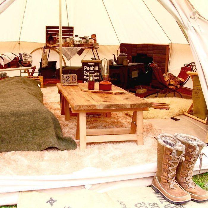 かわいいテントサイトのテントの中の様子