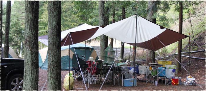 ハーブの里オートキャンプ場でキャンプをしているテントサイト