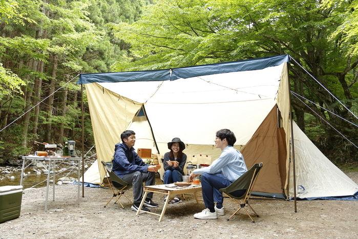 ホールアースのシェルターでカンガルースタイルキャンプ