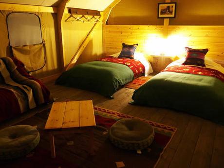 グランピングテントの内装の写真