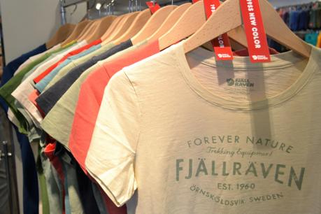 フェールラーベンのティーシャツの画像