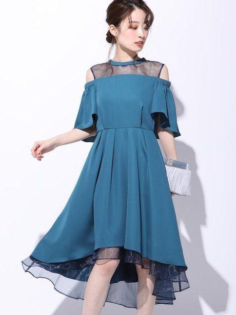 綺麗なドレスを纏った女性