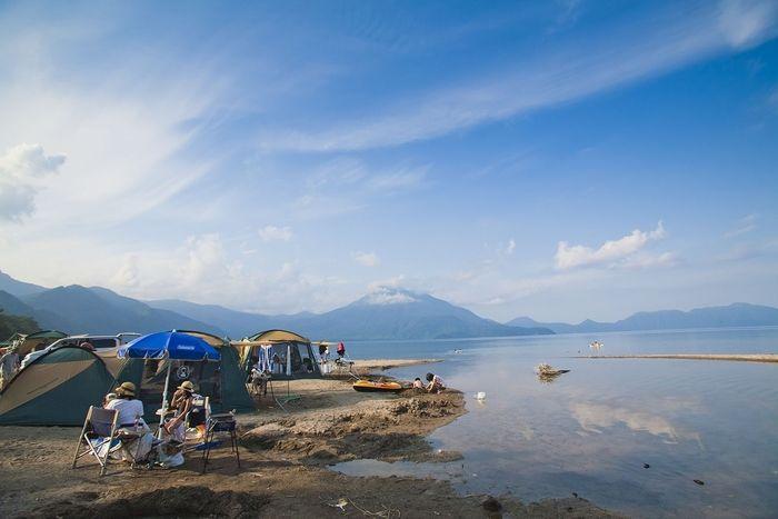 美笛キャンプ場の湖岸のキャンプサイト