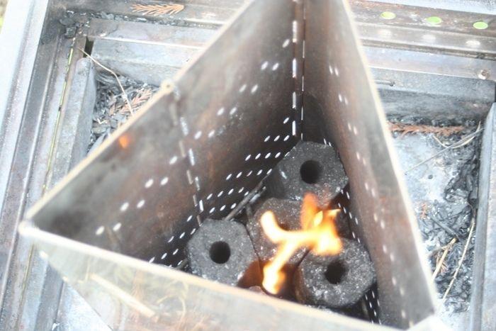 着火した炭