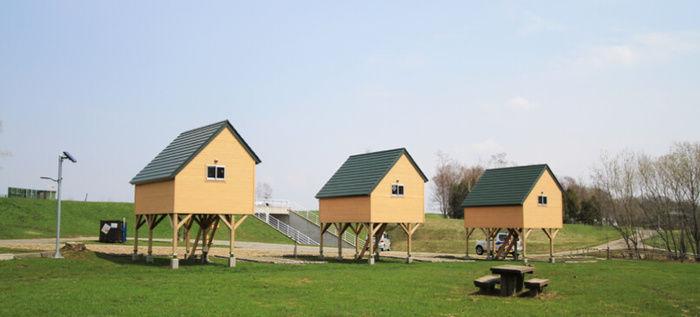 月形町皆楽公園キャンプ場のバンガロー