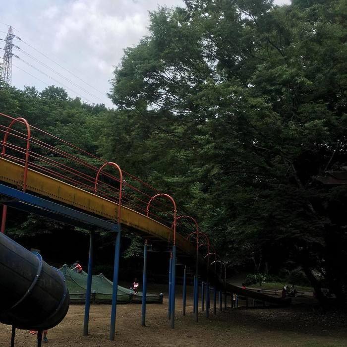 公園の遊具の写真