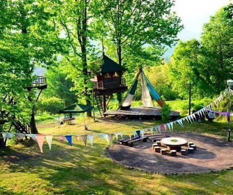 バルンバルンの森でのキャンプの様子