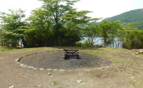 芦ノ湖キャンプ場のファイヤーリングの写真
