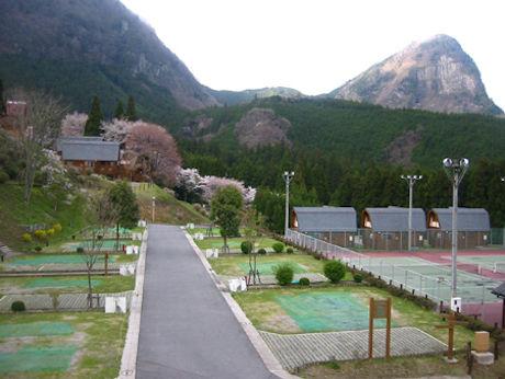 キャンプ場のある村の写真