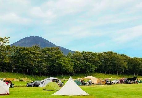 キャンピカ富士ぐりんぱのテントサイト