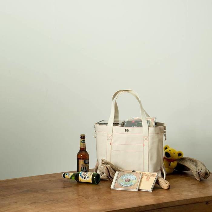 収納として活躍するスプーンフルのトートバッグ