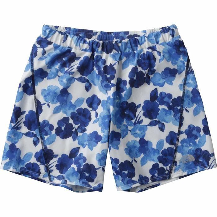 ブルーの花柄のレディースハーフパンツの写真