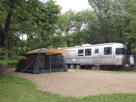 ふくしま県民の森 フォレストパークあだたらでテントが貼ってある写真
