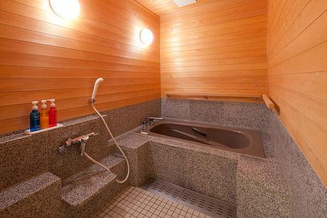 お風呂の浴槽の写真
