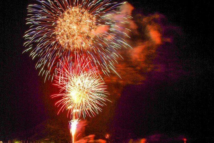 打ち上がった花火の写真