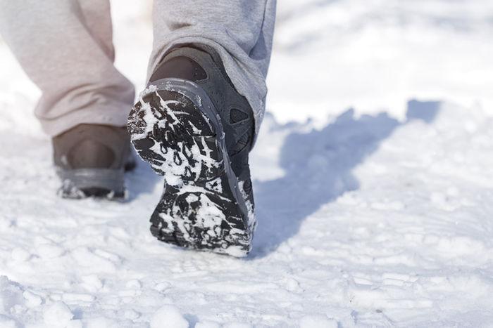 雪道を歩くブーツのソール