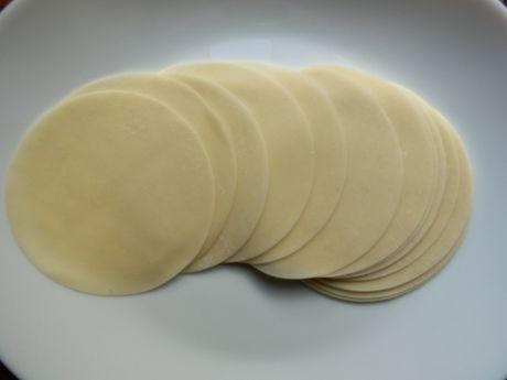 餃子の皮の写真