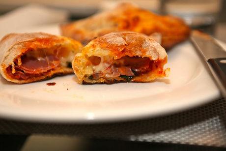 餃子の皮で作ったイタリア料理