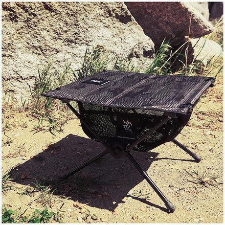 キャンプテーブルの写真