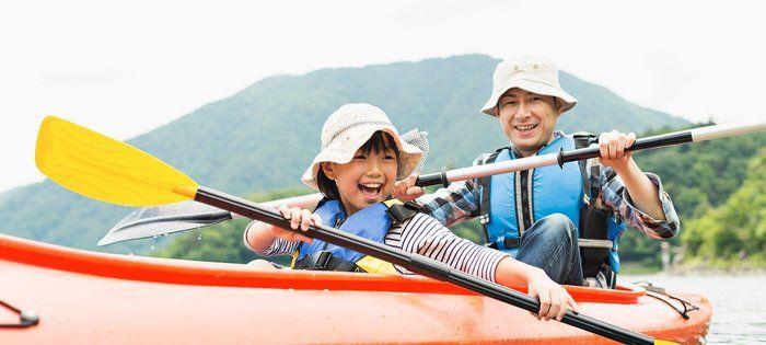浩庵キャンプ場でカヌーを楽しんでいる人達の写真