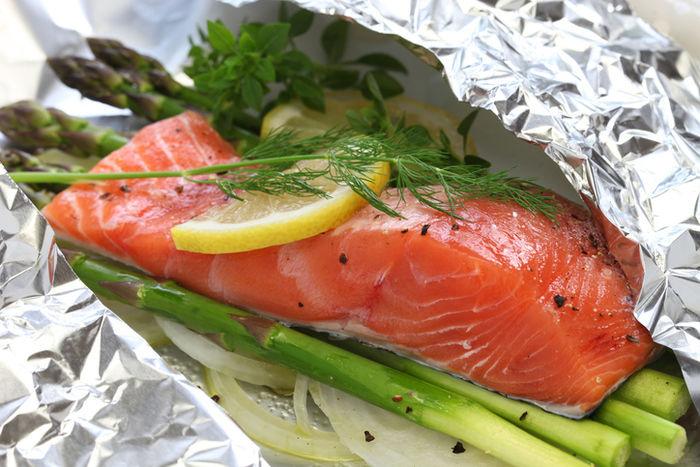 鮭と玉ねぎとえのきのホイル焼き
