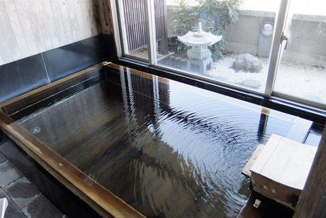 ヒノキのお風呂の写真