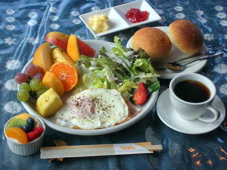 貸別荘「野わけ」のおしゃれな食事の写真