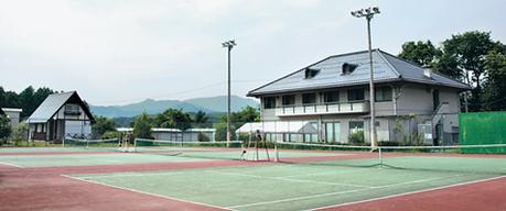 大鬼谷オートキャンプ場のテニスコート