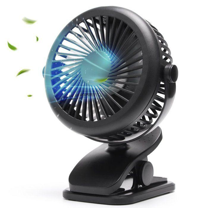 風を吹いている扇風機の写真