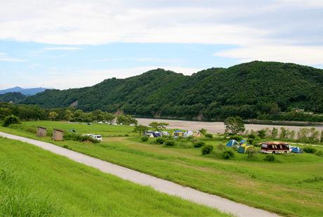 四万十川キャンプ場の風景