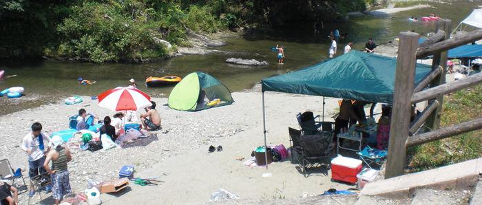 細野渓流キャンプ場の河原