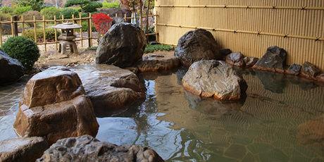能勢温泉の露天風呂の写真