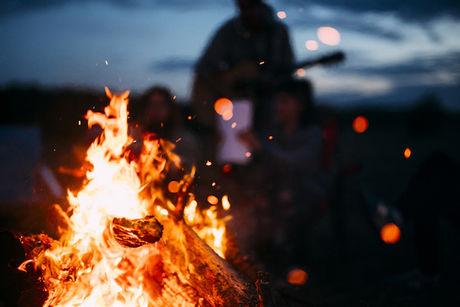 焚き火の炎の写真