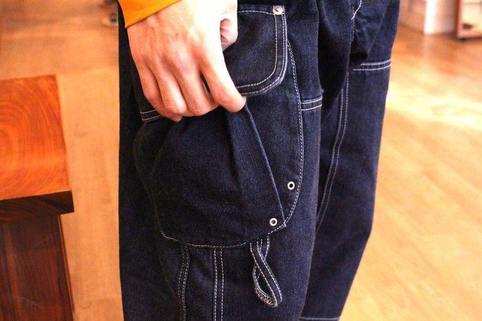 オーバーオールのポケットの写真
