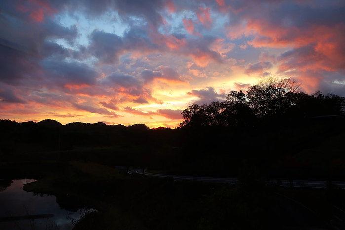 温泉リゾート風の国からみる夕焼け