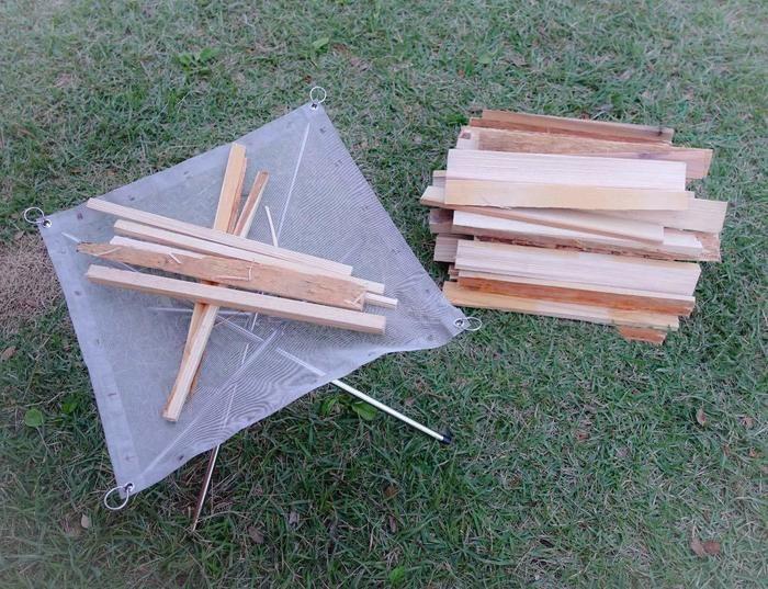 焚き火をするための薪の写真