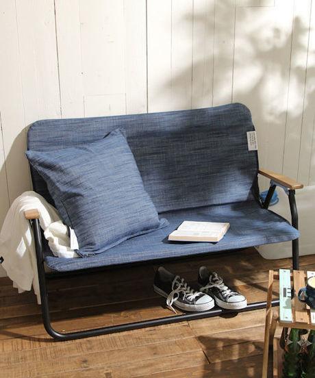 アルミデニム風ベンチの写真
