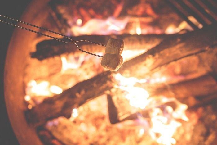 焚き火とマシュマロ