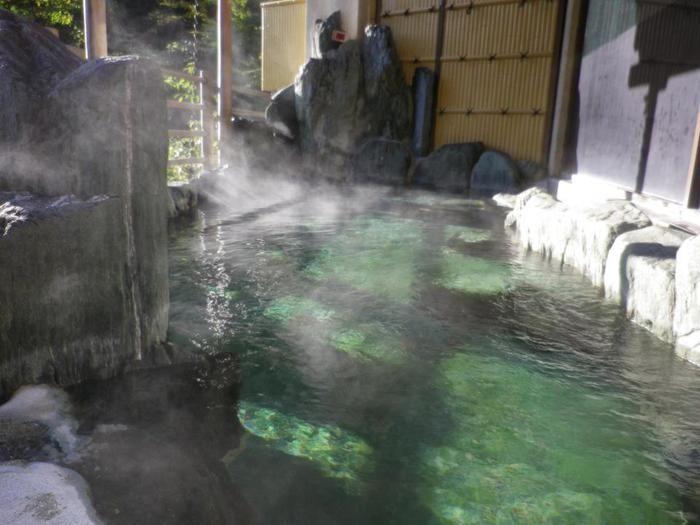 道志川温泉 紅椿の湯の露天風呂の写真